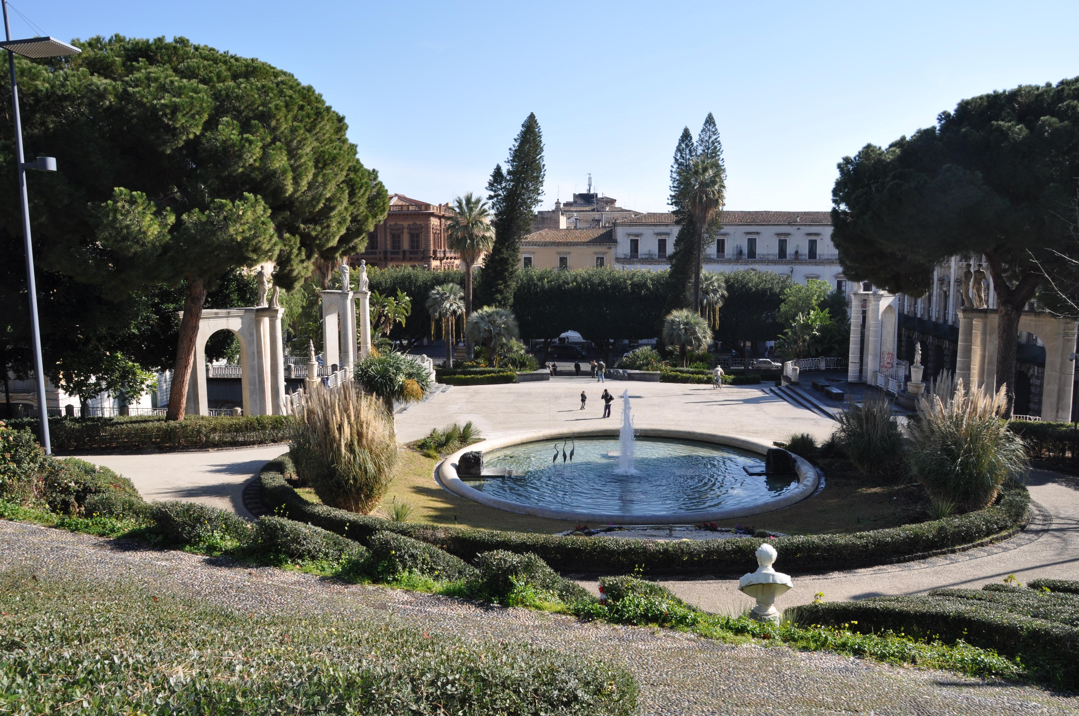 Giardino Alla Italiana : Villa bellini periperi catania